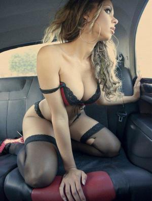 Aura from Boones Mill, Virginia is looking for adult webcam chat