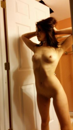 Chanda from Juneau, Alaska is looking for adult webcam chat
